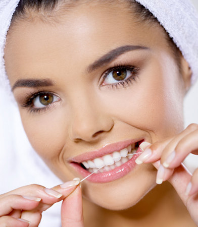 5 Reasons To Floss Your Teeth Daily