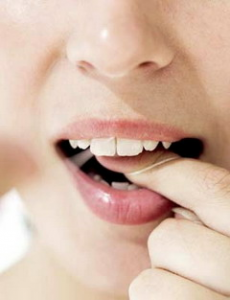 Learn how to choose the best dental floss